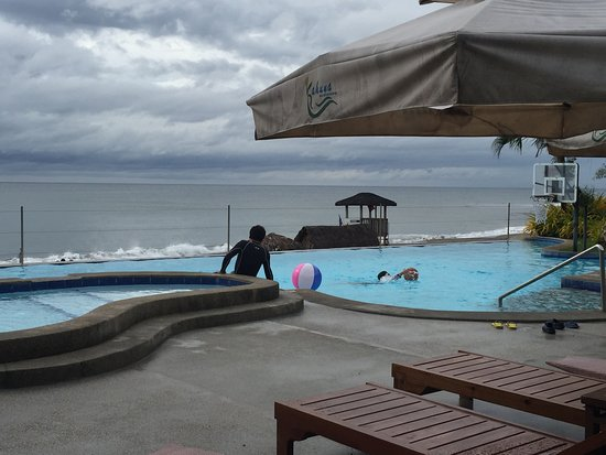 Kahuna Beach Resort and Spa: Infinity Pool