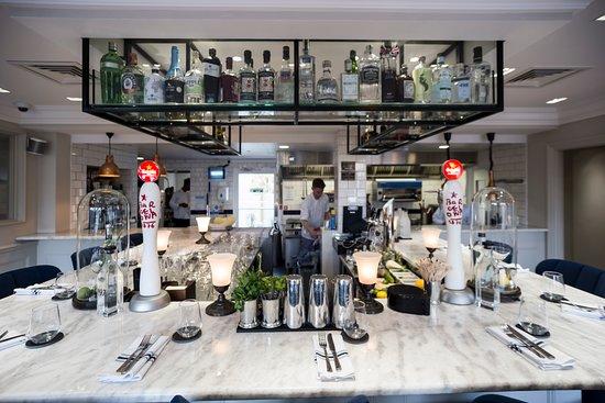 Surbiton, UK: Bar Dining