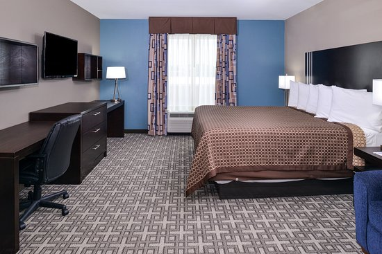 Horn Lake, MS: One King Bed Kitchenette