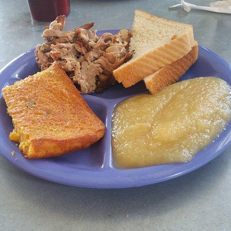 Σέρμαν, Τέξας: Pulled pork dinner plate.