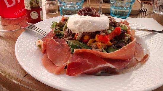 Maussane-les-Alpilles, Francia: salade des Alpilles