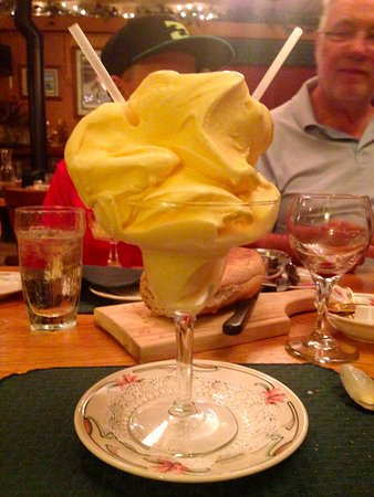 Boulder Junction, WI: Homemade Ice Cream Drink as big as your head! GUIDE'S INN