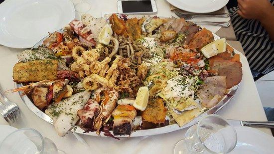 Oliveri, Italia: Ottimo pranzo...indimenticabile direi!!!