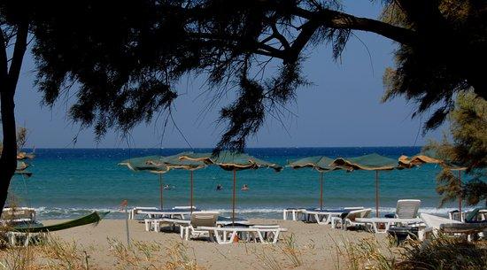 Keros beach: beach bar