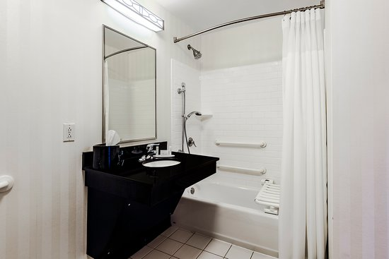 Fairfield Inn & Suites Wilkes-Barre Scranton: Standard King Accessible