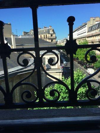Paris France Hotel: Vista do quarto individual