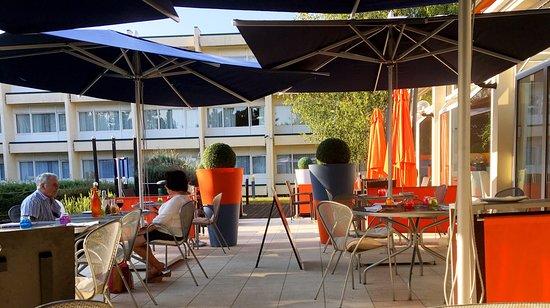 Novotel cafe chartres restaurant avis num ro de for Bon restaurant chartres