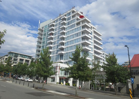 بيناكل هوتل آت ذا بير: Pinnacle Hotel at the Pier, North Vancouver, Canada