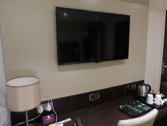 Polmont, UK: Larger TV