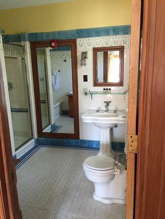 Showers Inn: Roosevelt Room