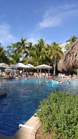 Sheraton Buganvilias Resort & Convention Center: Main Pool
