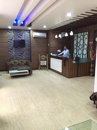 Hotel Namaskar Residency : Reception