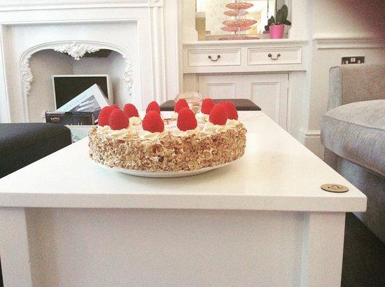 Lenham, UK: Hazelnut Torte