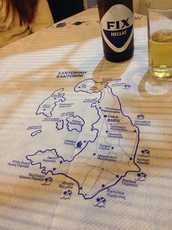Taverna Sellada: la mesa autentica, con el mapa de la isla.no nos faltó nada por ver¡¡