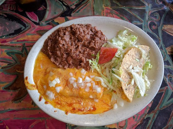Holland, Огайо: Monday Lunch Special - Enchilada, Taco, Beans
