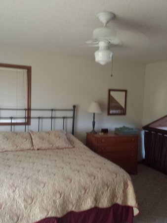 Fountain City, WI: Bedroom in Loft Area Really nice