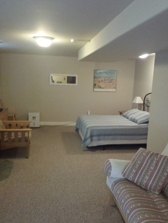 Fountain City, WI: Lower Level Bedroom