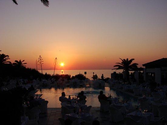 Creta Royal Hotel: soirée barbecue au bord de la piscine