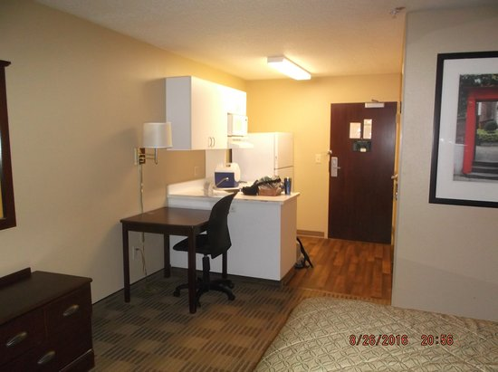 Extended Stay America - Washington, D.C. - Chantilly - Dulles South: kitchen area