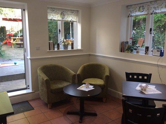 Lenham, UK: The Green Garden Room