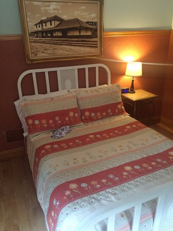 Auberge de la Gare: Comfy beds in a historic context, with good amenities