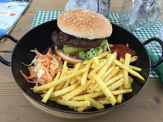 Saalfelden am Steinernen Meer, Avusturya: Burger