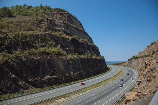 Cumberland, MD: View from the overlook of Sideling Hill