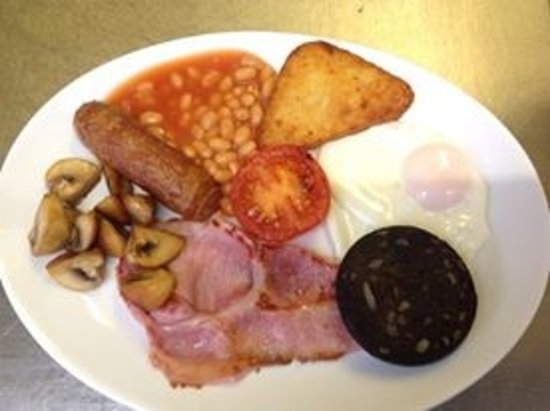 Birch Villa Hotel : Im hungry just looking at this btw you can have 2 sausages or more just ask