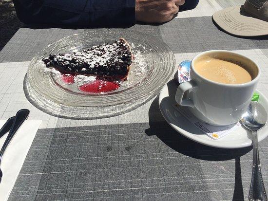 Saint-Luc, Suiza: La spécialité au restaurant Weisshorn, excellente tarte aux myrtilles!