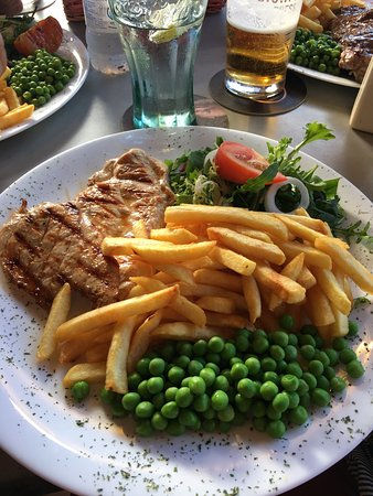 Walshies Sports Bar & Grill: photo0.jpg