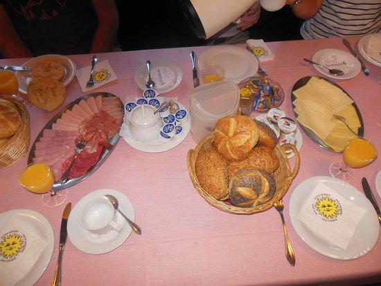 Lauterbach, Tyskland: Sehr leckeres Frühstück