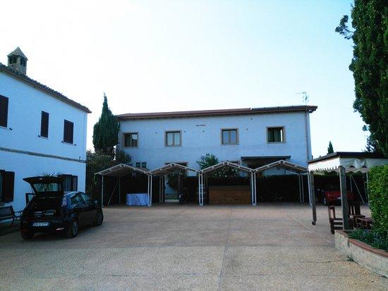 Country House San Pietro: La parte con le camere