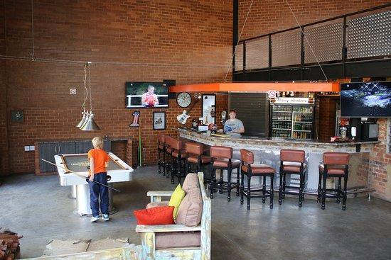 Sunrock Guesthouse: Bar Area