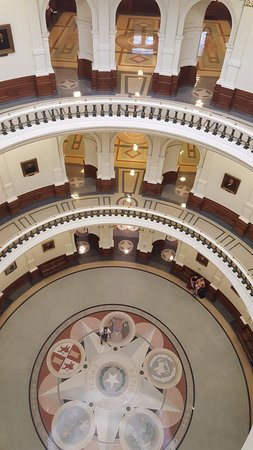 State Capitol: best strategy is to take elevator to the 4th floor then walk down