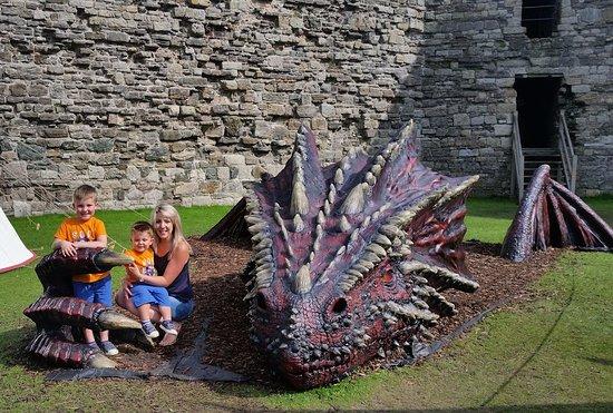 Beaumaris, UK: The scary dragon