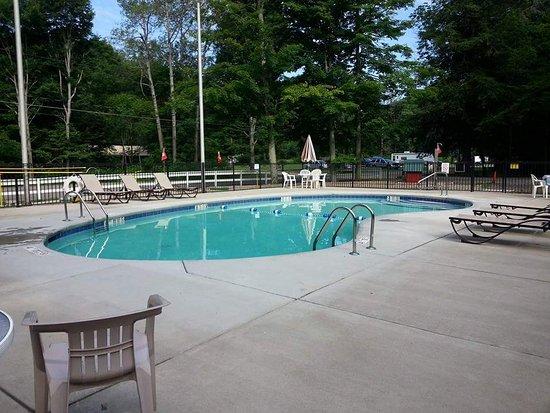 Findley Lake, État de New York : Heated pool