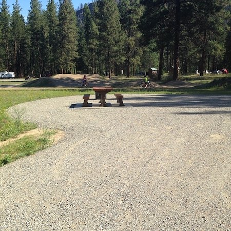 Rock Creek, Канада: Kettle river bycicle path