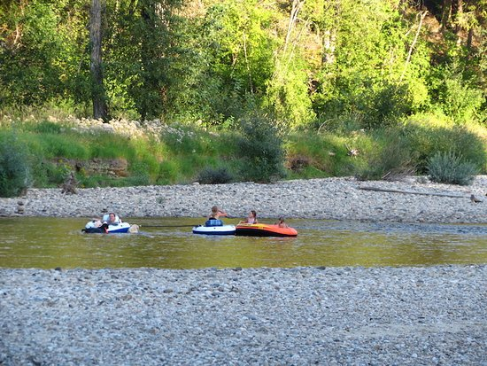 Rock Creek, Канада: Tubing