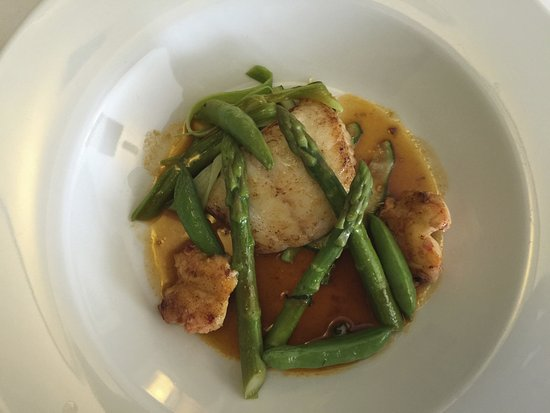 Old Inn: Grilled fillets of brill, ragout of lobster asparagus and leeks.