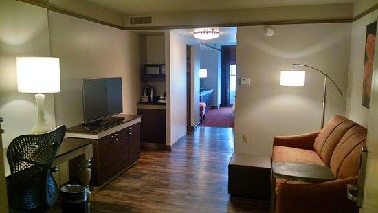 Owings Mills, MD: King Suite
