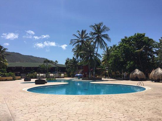 foto de hesperia ed n club isla de margarita piscina