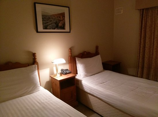 Lehinch Lodge - Guest House : simple, propre et efficace