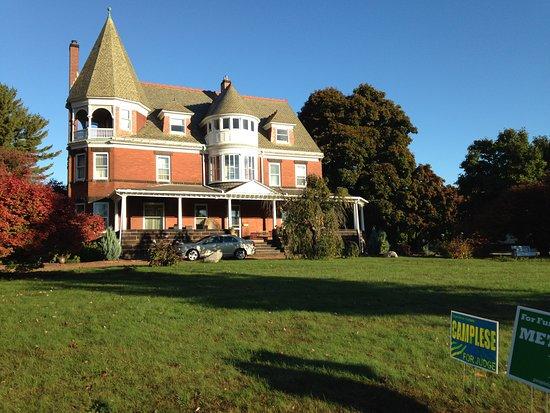 Conneaut, OH: Grandpa's Castle