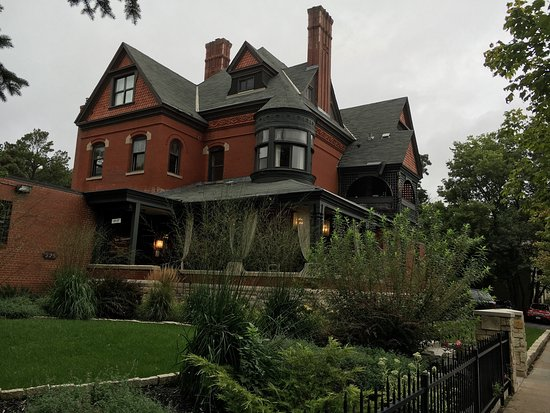 The New Victorian Mansion Bed and Breakfast