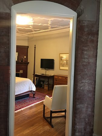 The New Victorian Mansion Bed and Breakfast: photo2.jpg