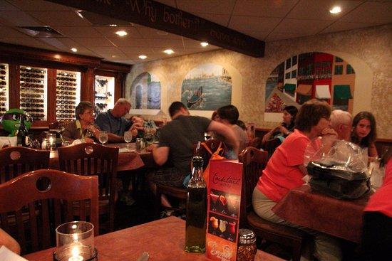 Sao S Italian Restaurant Lots Of Customers
