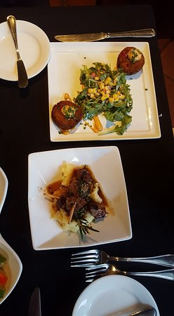 Nirvana Grille - Laguna Beach: Small Plates - Crabcakes with arugula/corn salad and Filet Brochettes with yukon mashed potatoes