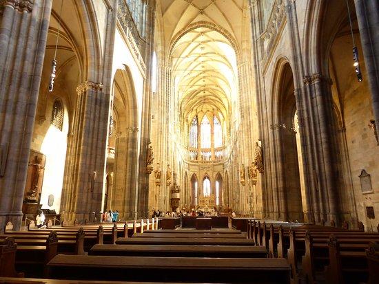 Καθεδρικός Ναός Αγίου Βίτου: Inside the cathedral