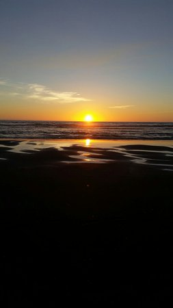 Ocean Shores, WA: 20160823_200555_large.jpg