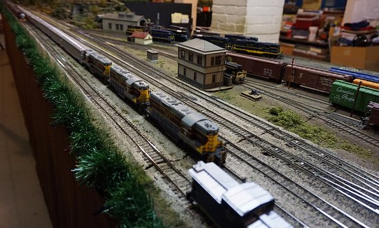 Saginaw, MI: Huge model train display in basement